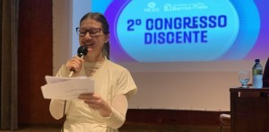 A professora Milena Travassos no II Congresso Discente (Fotos: Thayse Medeiros)
